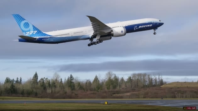 mission-accomplished:-the-777x-takes-to-the-skies!