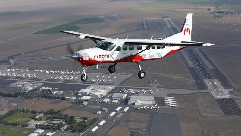 all-electric-cessna-208b-takes-to-the-skies!
