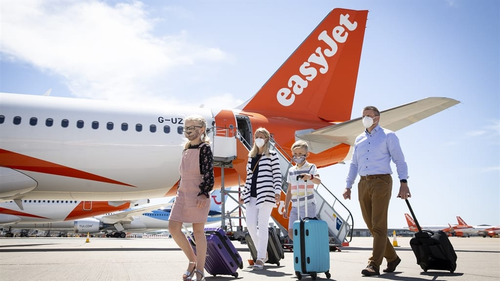 EasyJet Anticipates Flight Resumption on 75% of Routes by August, Drops from FTSE 100 Index