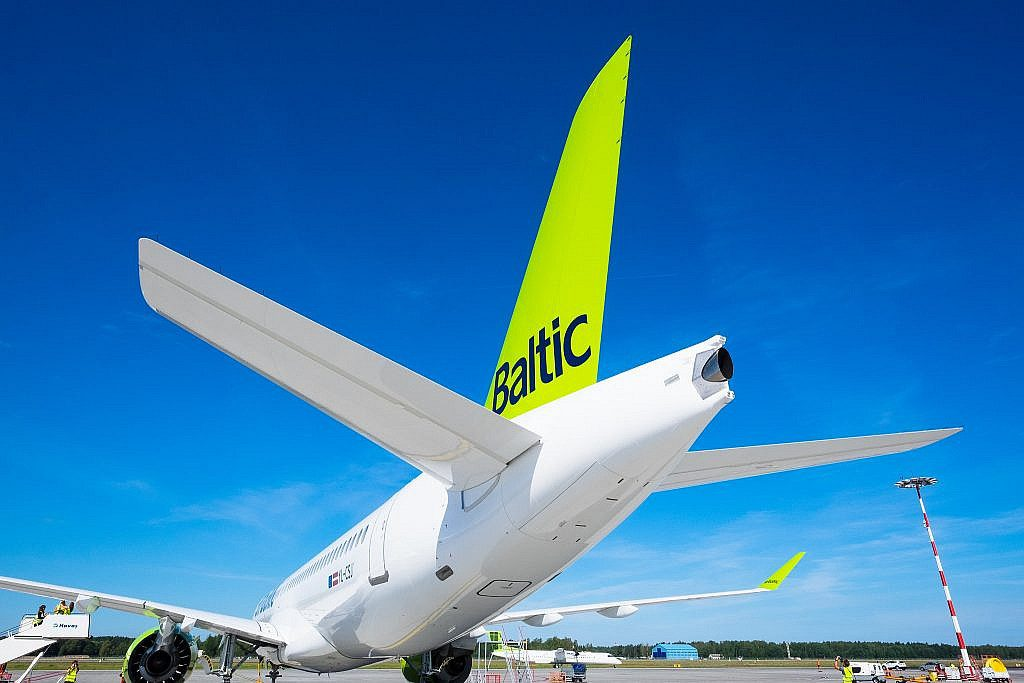 airBaltic – Vaccination Mandatory For Rehired Crew!