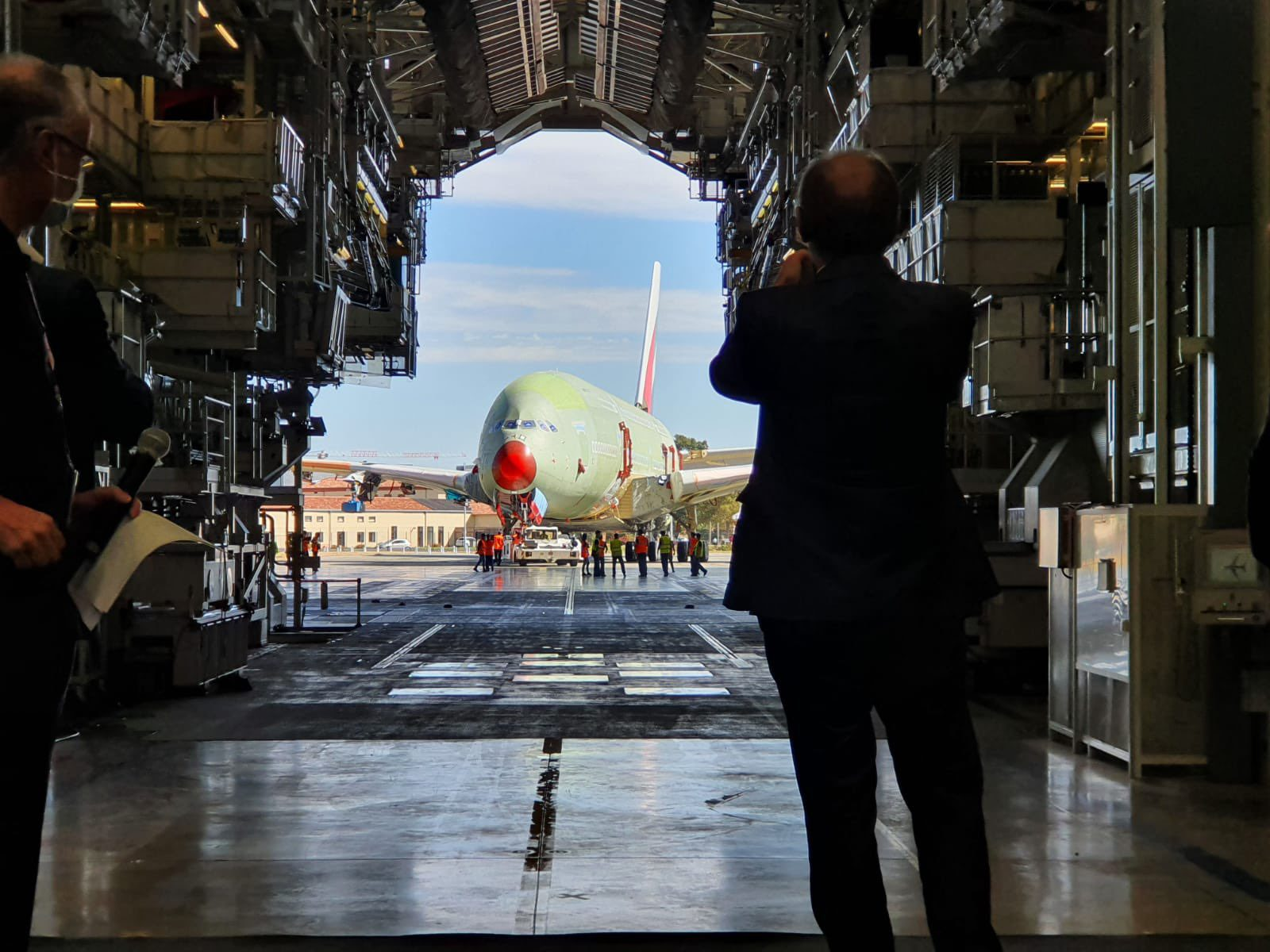 the-final-airbus-a380-finishes-production hub & spoke