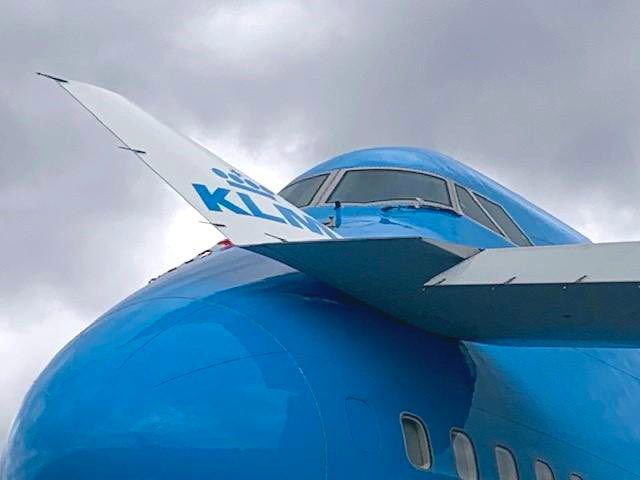 KLM 747-400 Hit By Other KLM's Wingtip