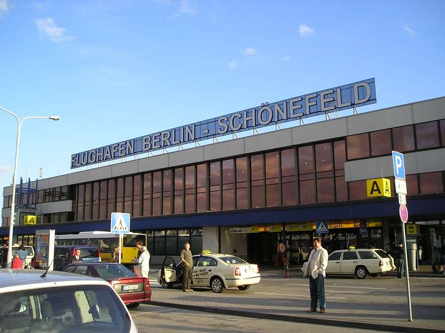 Berlin Airports To Work as Vaccination Centres!
