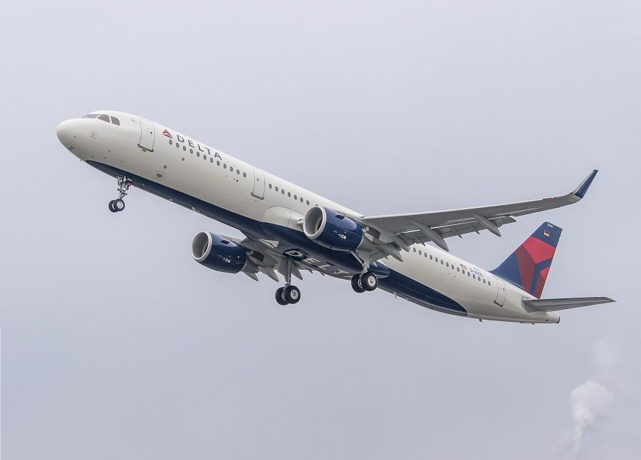 Delta Passenger Deploys Slide To Exit Moving Airbus A321