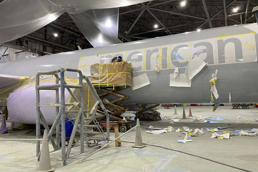 Aircraft Paint or Polishing? What Do Airlines Prefer?