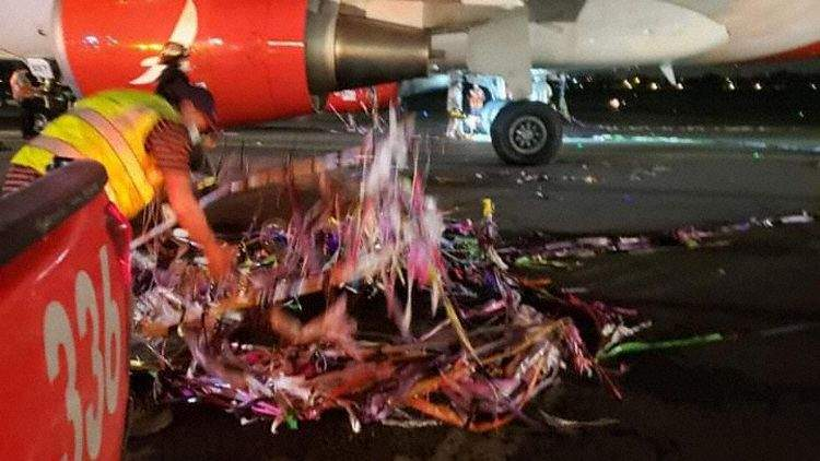 Mid-Air Collision: A319 Hits Fireworks Balloon!