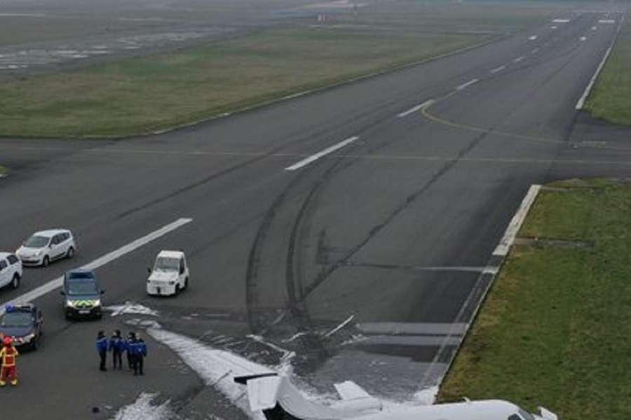 ACCIDENT – Luxwing Phenom Runway Excursion In Paris