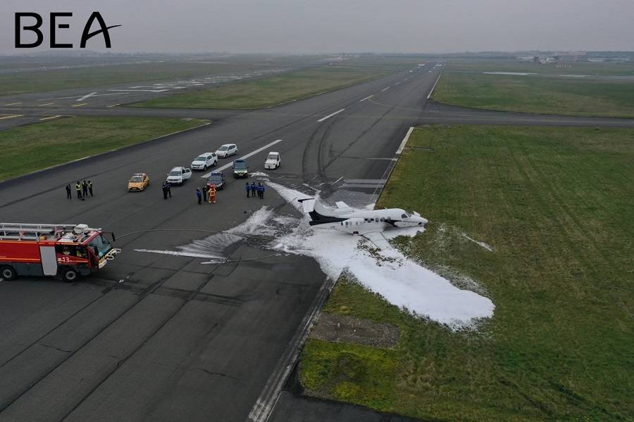 ACCIDENT – Luxwing Phenom Runway Excursion In Paris