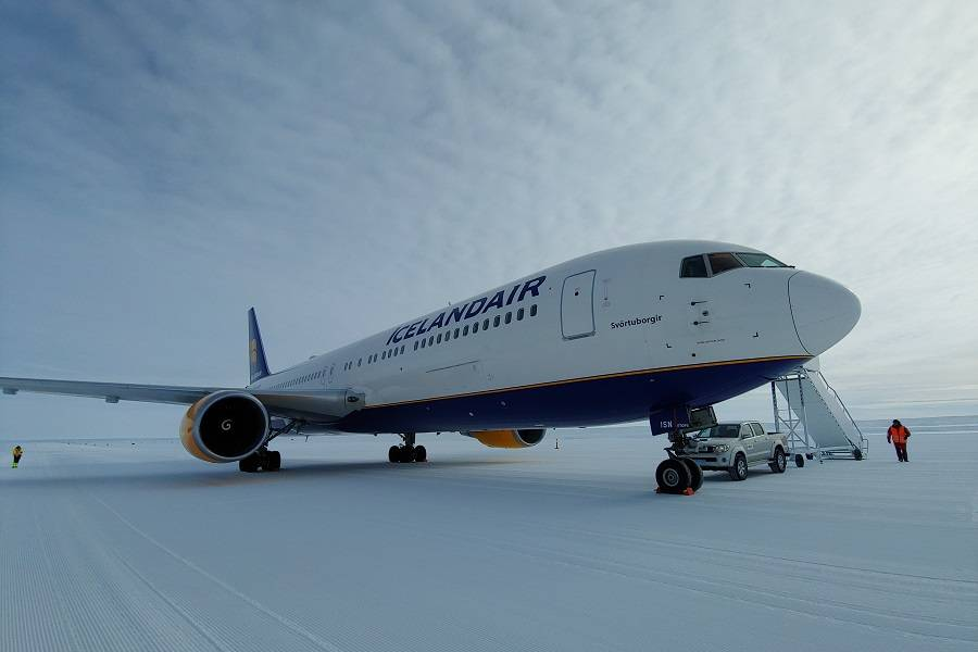 Icelandair Converts Two Of Its 767s to Freighters