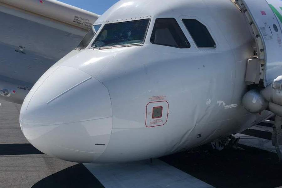 ACCIDENT: Nose Gear Separated While Taxiing!
