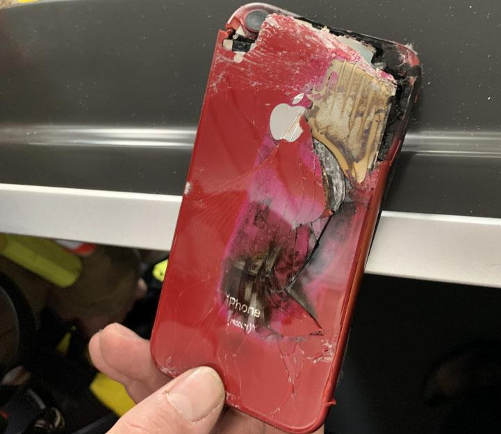 INCIDENT: In-Flight Fire From Crushed Mobile Phone!