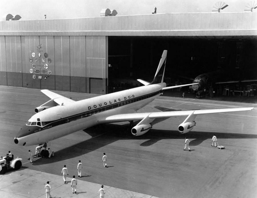 Douglas DC-8 – An Early Aviation Veteran, Still Flying!