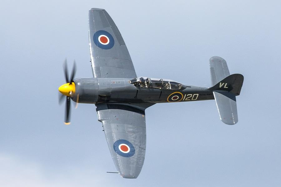 CRASH: Sea Fury Forced Landing In The UK