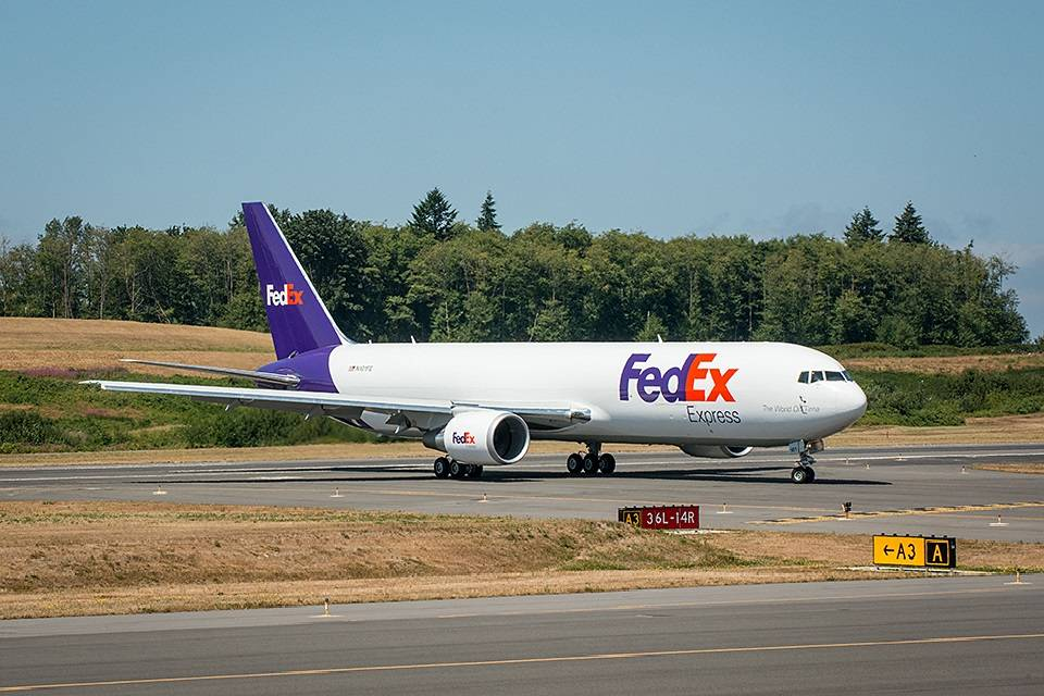 FedEx Orders More Freighters, Sees Lasting Cargo Market