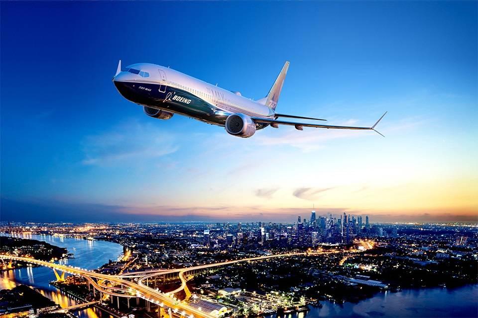 Boeing 737 MAX-10 Makes Its Maiden Flight!