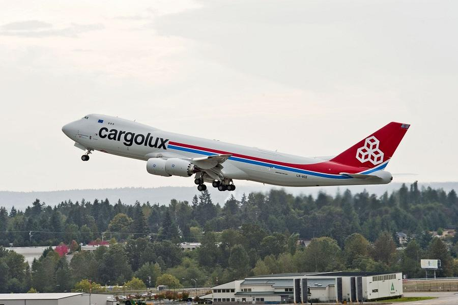 INCIDENT: Southwest and Cargolux Touch Wings!