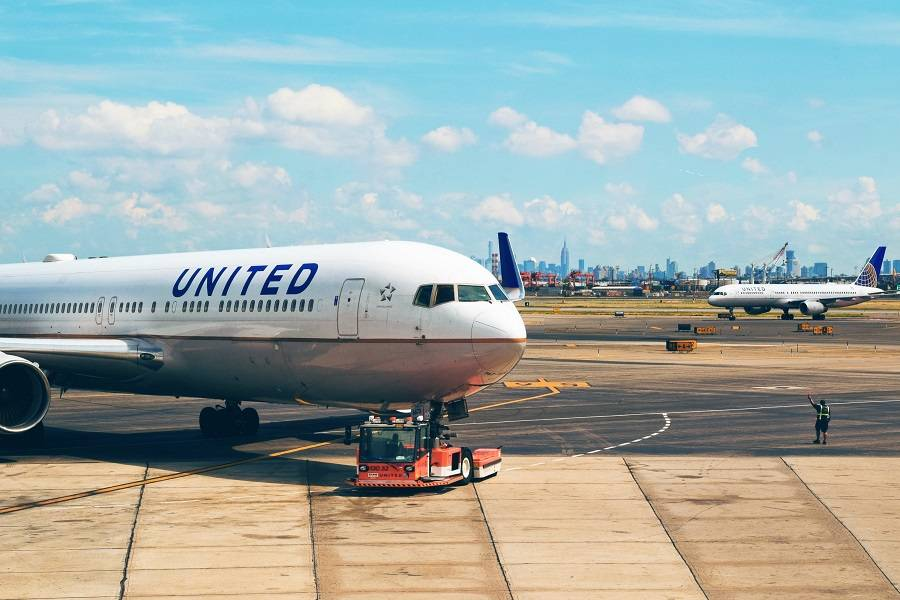 United, Frontier: Vaccines Compulsory For ALL Employees!