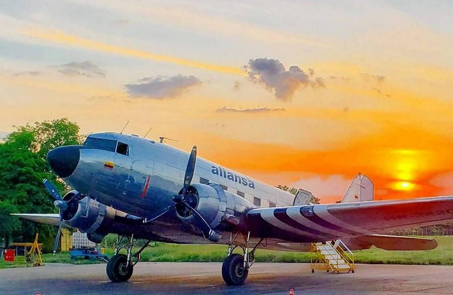 CRASH: Missing Colombian DC-3 Found In Jungle