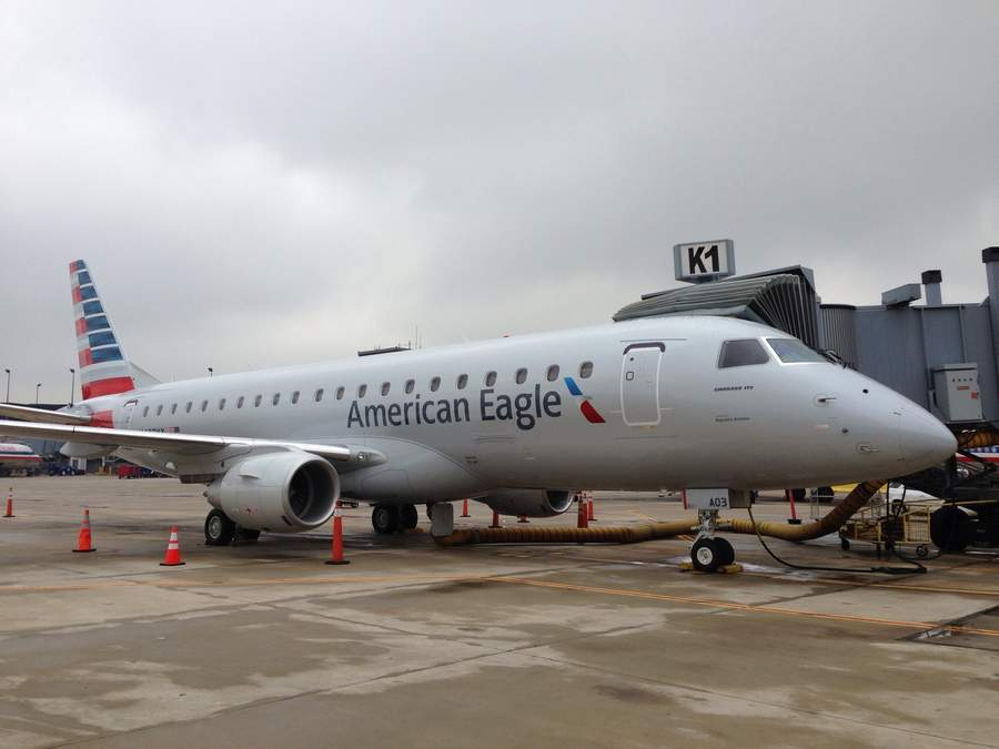 INCIDENT: Envoy E175 Collides With Drone In Chicago!