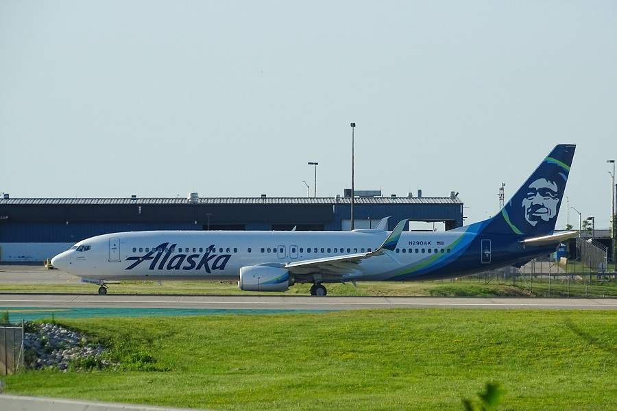 INCIDENT: Phone Fire Causes Alaska 737 Evacuation!