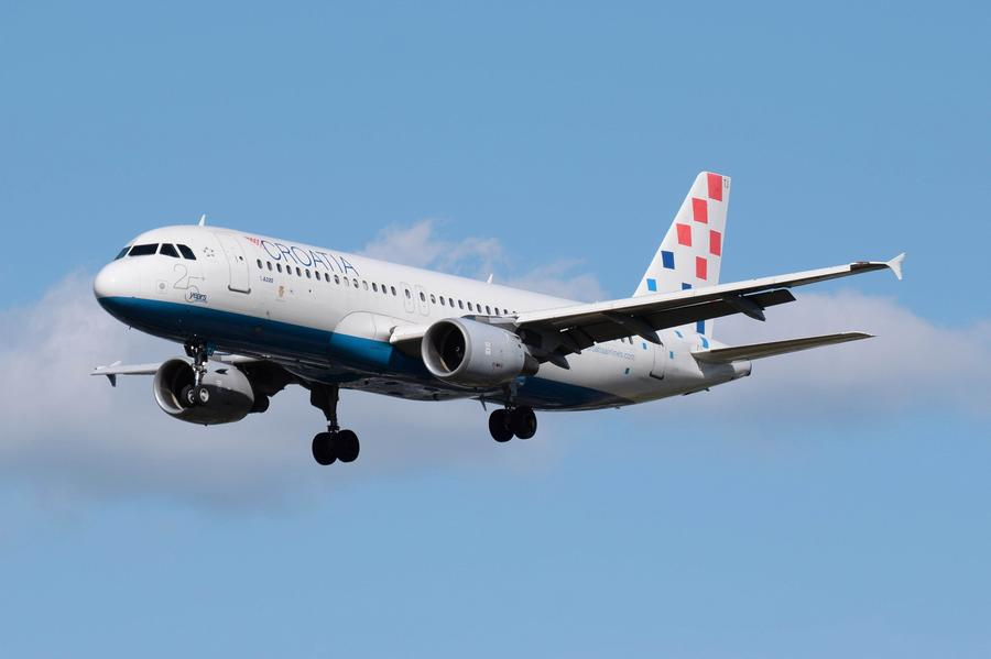 Can The A220 Replace The A320neo In A Struggling Sale?