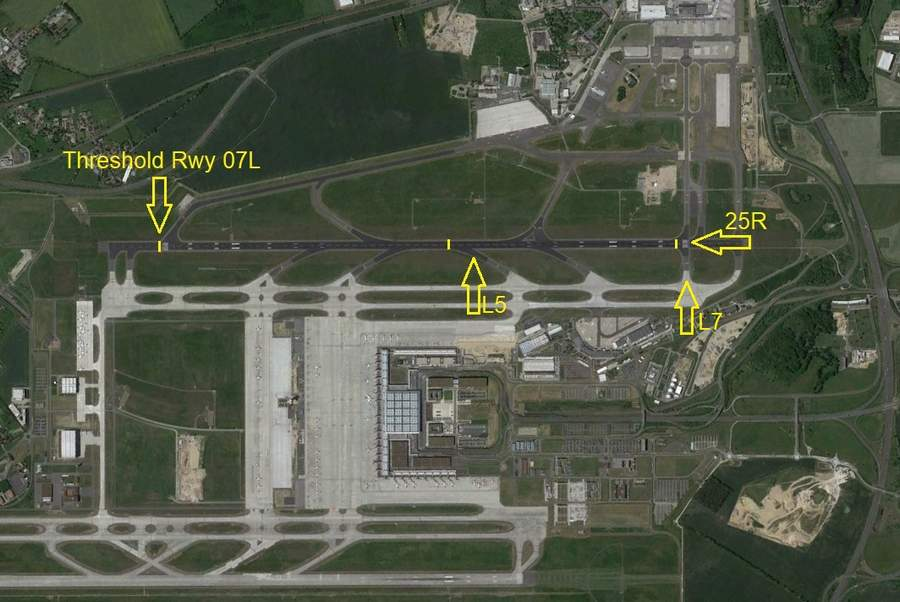 INCIDENT: Take-Off From Half-Way Down Runway - Wrong Data