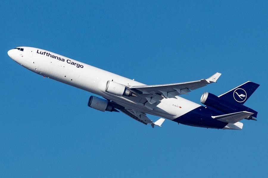 Lufthansa MD-11 – Cargo Demand Delays Retirement!