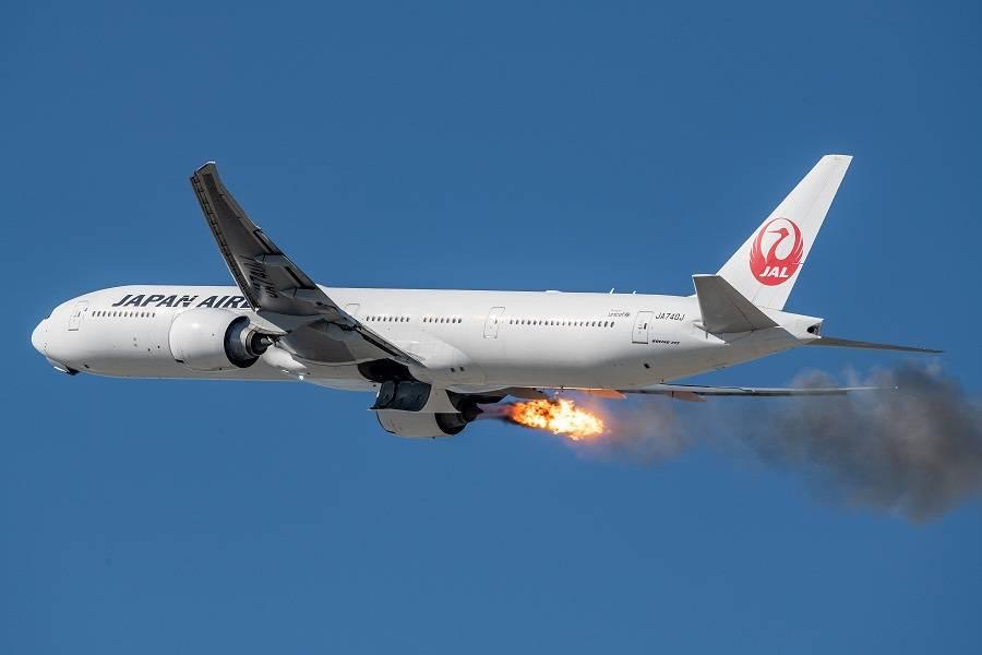 INCIDENT: JAL 777, Engine Flames Over Los Angeles