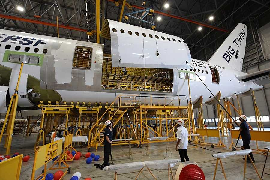 IAI: 777-300ER Cargo Conversion Ready In Four Months!