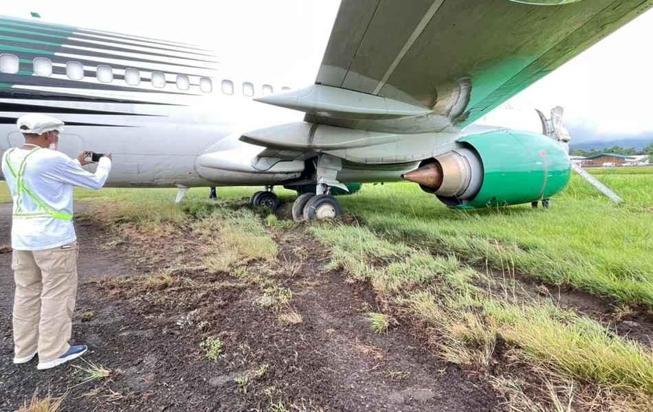 INCIDENT: Boeing 737-300 Runway Overrun